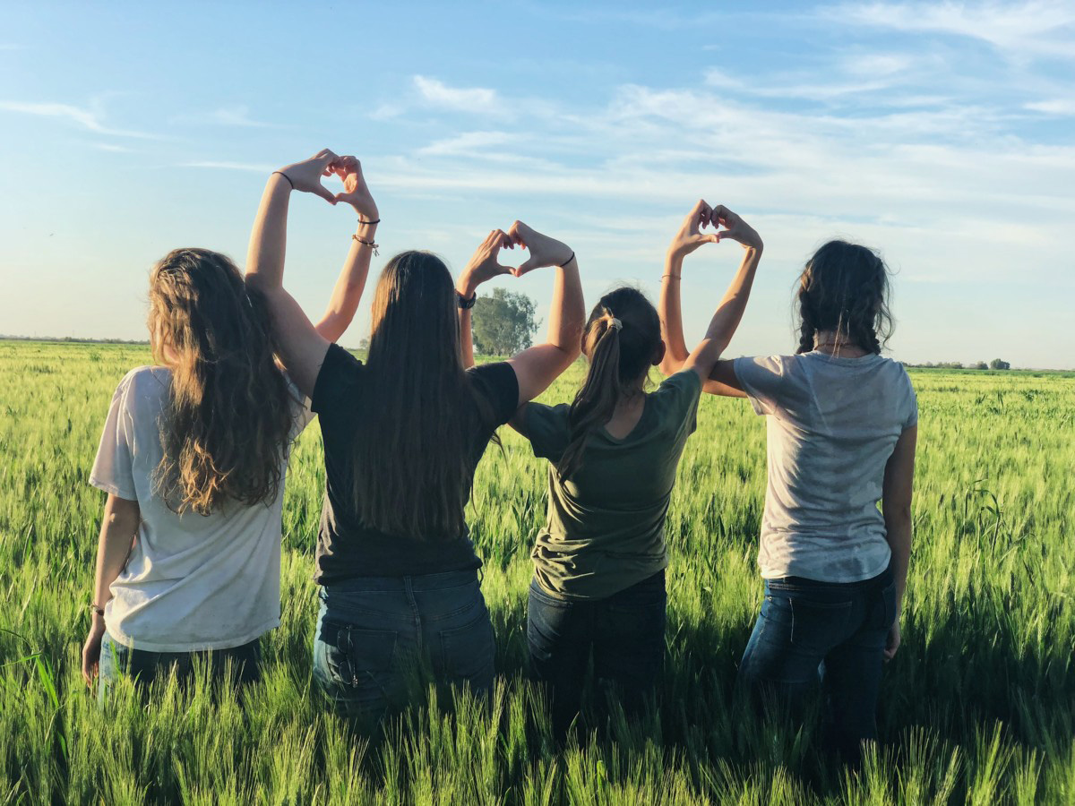women supporting each other - joining a pregnancy after loss support group