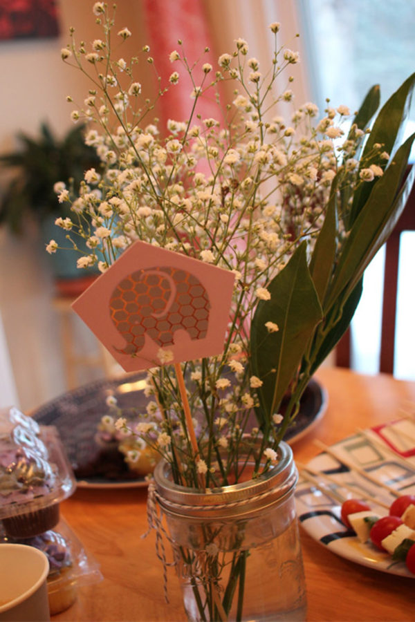 flowers at baby shower - the stress before the rainbow