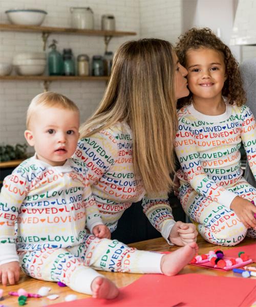 Hanna Andersson LOVED rainbow family pajamas