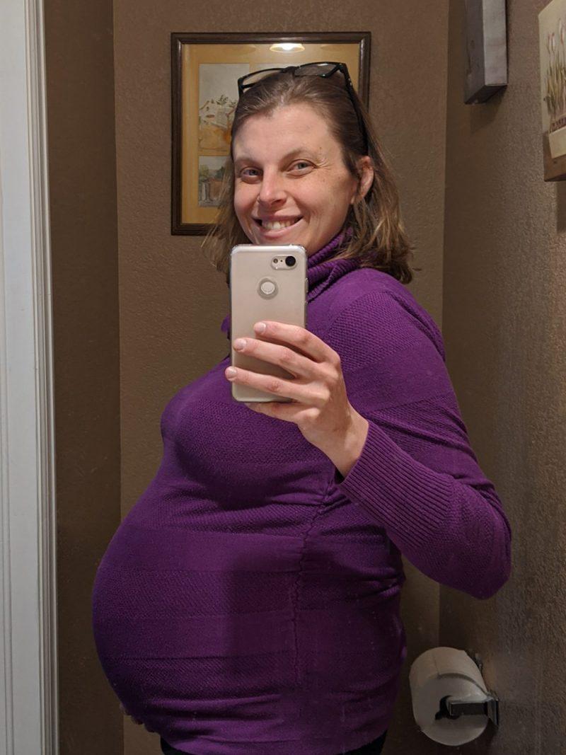 Rachel's 32-week bump: This is 32 weeks