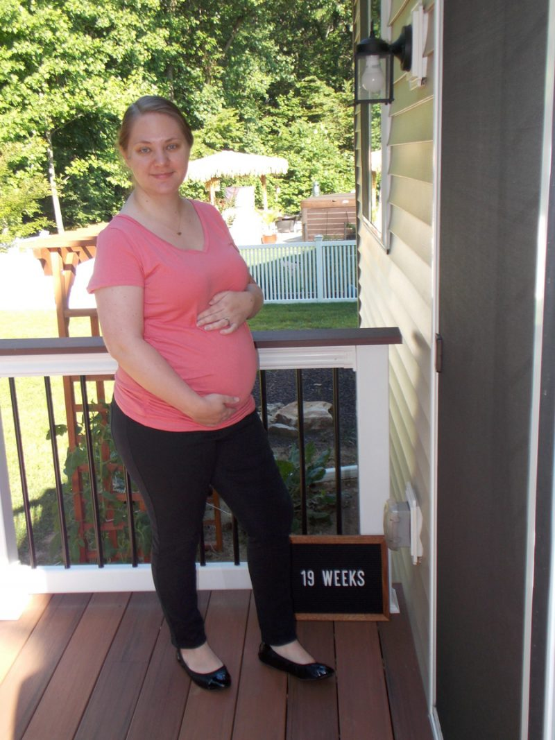 Emma's 19-week bump - Family love