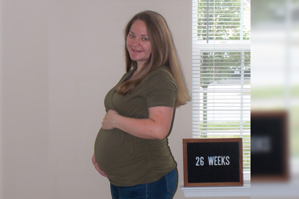 Emma's 26-week bump - Pregnancy Time Warp