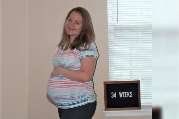 Emma's 34-week bump - gaining hope